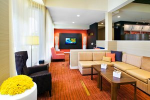 Lobby - Courtyard by Marriott Hotel Fresno