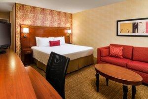 Room - Courtyard by Marriott Hotel Fresno