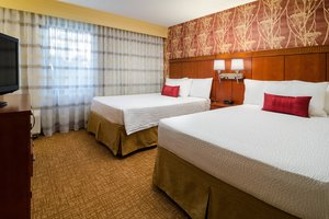 Suite - Courtyard by Marriott Hotel Fresno