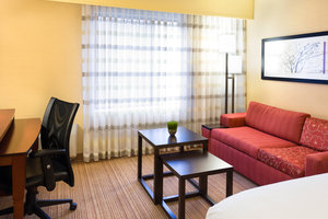 Room - Courtyard by Marriott Hotel Fort Collins
