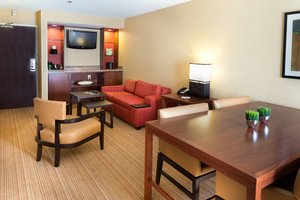 Suite - Courtyard by Marriott Hotel Fort Collins