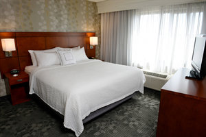 Suite - Courtyard by Marriott Hotel Sioux Falls