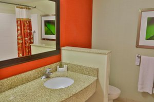 Room - Courtyard by Marriott Hotel D'Iberville