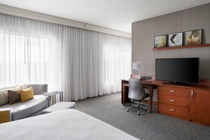 Suite - Courtyard by Marriott Hotel Downtown Grand Rapids