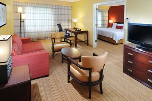 Suite - Courtyard by Marriott Hotel Hobby Airport Houston