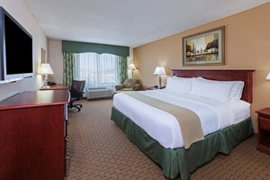 Room - Holiday Inn Express Hotel & Suites Selma
