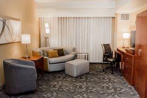 Suite - Courtyard by Marriott Hotel Lafayette