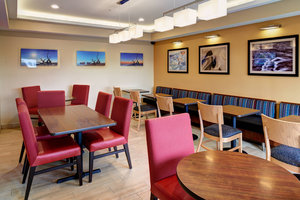 Restaurant - TownePlace Suites by Marriott Troy