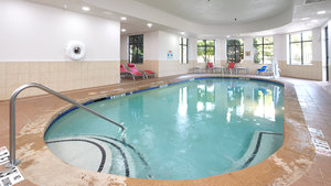 Pool - Holiday Inn Stockbridge