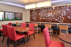 Restaurant - TownePlace Suites by Marriott Commerce Township
