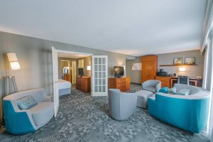 Suite - Courtyard by Marriott Hotel Nashua