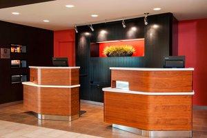 Lobby - Courtyard by Marriott Hotel Airport Milwaukee