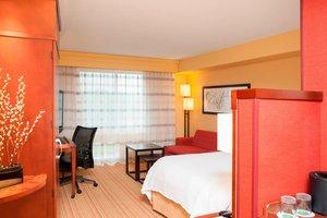 Room - Courtyard by Marriott Hotel Airport Milwaukee