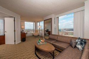 Suite - Marriott Southwest Minneapolis Hotel Minnetonka