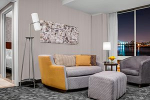 Suite - Courtyard by Marriott Hotel Upper East Side NYC
