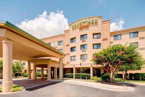 Courtyard by Marriott Hotel Airport Roanoke, VA - See Discounts