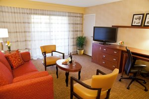 Suite - Courtyard by Marriott Hotel Southcenter Tukwila