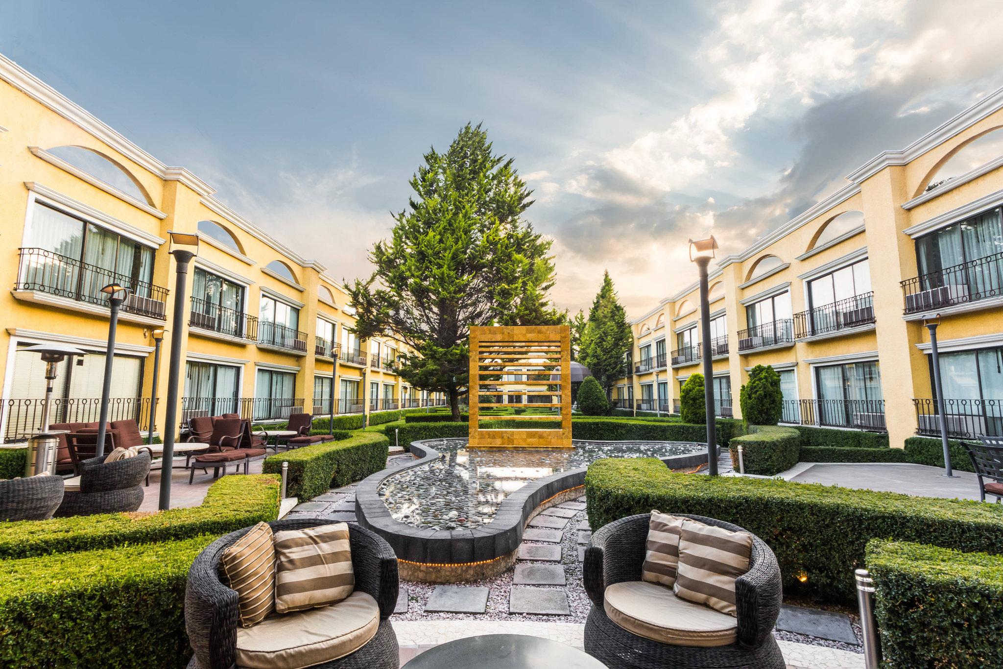 Courtyard by Marriott Toluca Airport
