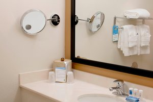 Room - Fairfield Inn & Suites by Marriott Hayward