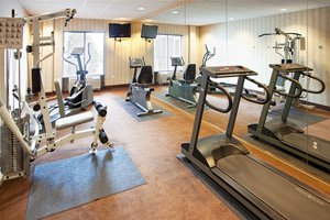 Fitness/ Exercise Room - Holiday Inn Express Hotel & Suites Hagerstown
