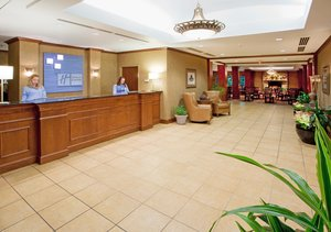 Lobby - Holiday Inn Express Hotel & Suites Hagerstown