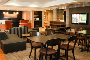 Lobby - Courtyard by Marriott Hotel Chesapeake