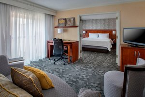 Suite - Courtyard by Marriott Hotel Airport Philadelphia