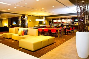 Lobby - Courtyard by Marriott Hotel Springfield