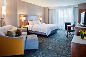 Room - Courtyard by Marriott Hotel Pueblo Convention Center