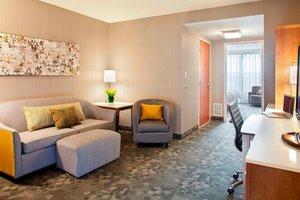 Suite - Courtyard by Marriott Hotel Pueblo Convention Center
