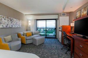 Room - Courtyard by Marriott Hotel San Diego Airport