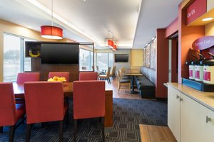 Restaurant - TownePlace Suites by Marriott Bossier City