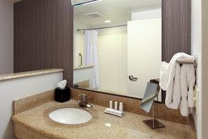 Room - Courtyard by Marriott Hotel Salina