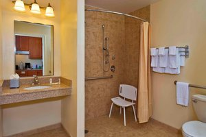 - TownePlace Suites by Marriott Clinton