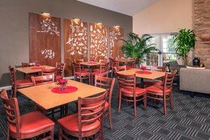 Restaurant - TownePlace Suites by Marriott Clinton