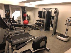 Fitness/ Exercise Room - Fontaine Hotel Kansas City