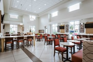 Restaurant - Holiday Inn Express Hotel & Suites Boynton Beach