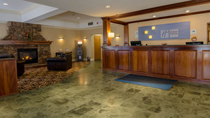 Lobby - Holiday Inn Express South Burlington