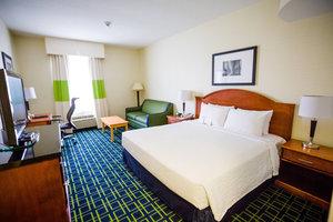 Room - Fairfield Inn by Marriott Oakville