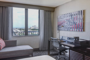 Room - Renaissance Cruise Port Hotel Fort Lauderdale