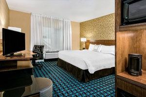 Room - Fairfield Inn & Suites by Marriott Van