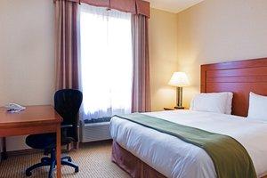 Room - Holiday Inn Express Hotel & Suites Grande Prairie