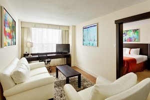 Suite - Holiday Inn Downtown Centre Toronto