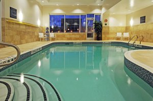 Pool - Holiday Inn Express Hotel & Suites Richmond Hill