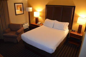 Room - Holiday Inn Express Springfield