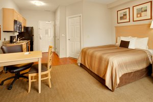 Room - Candlewood Suites Northeast Harrisburg