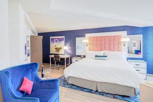 Suite - Hotel Indigo Patriots Point Mt Pleasant