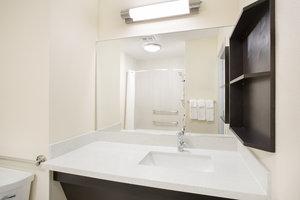 - Candlewood Suites Longmont