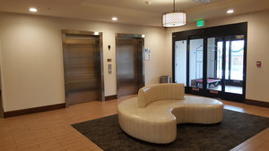 Lobby - Holiday Inn Express Hotel & Suites Springville