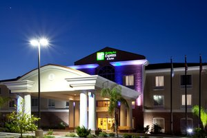 Exterior view - Holiday Inn Express Hotel & Suites Spring Hill